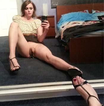 Laon 02000 : Trans s'écarte les jambes pour toi
